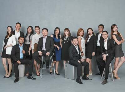 Studio portraits photography for corporate profile, group photography and commercial portrait., by tuckys